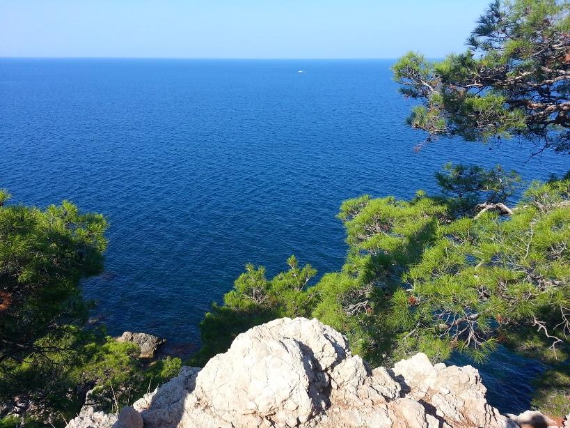 Маршруты Крыма: Голубая гора Кокия-Кая, мыс Айя, Затерянный мир
