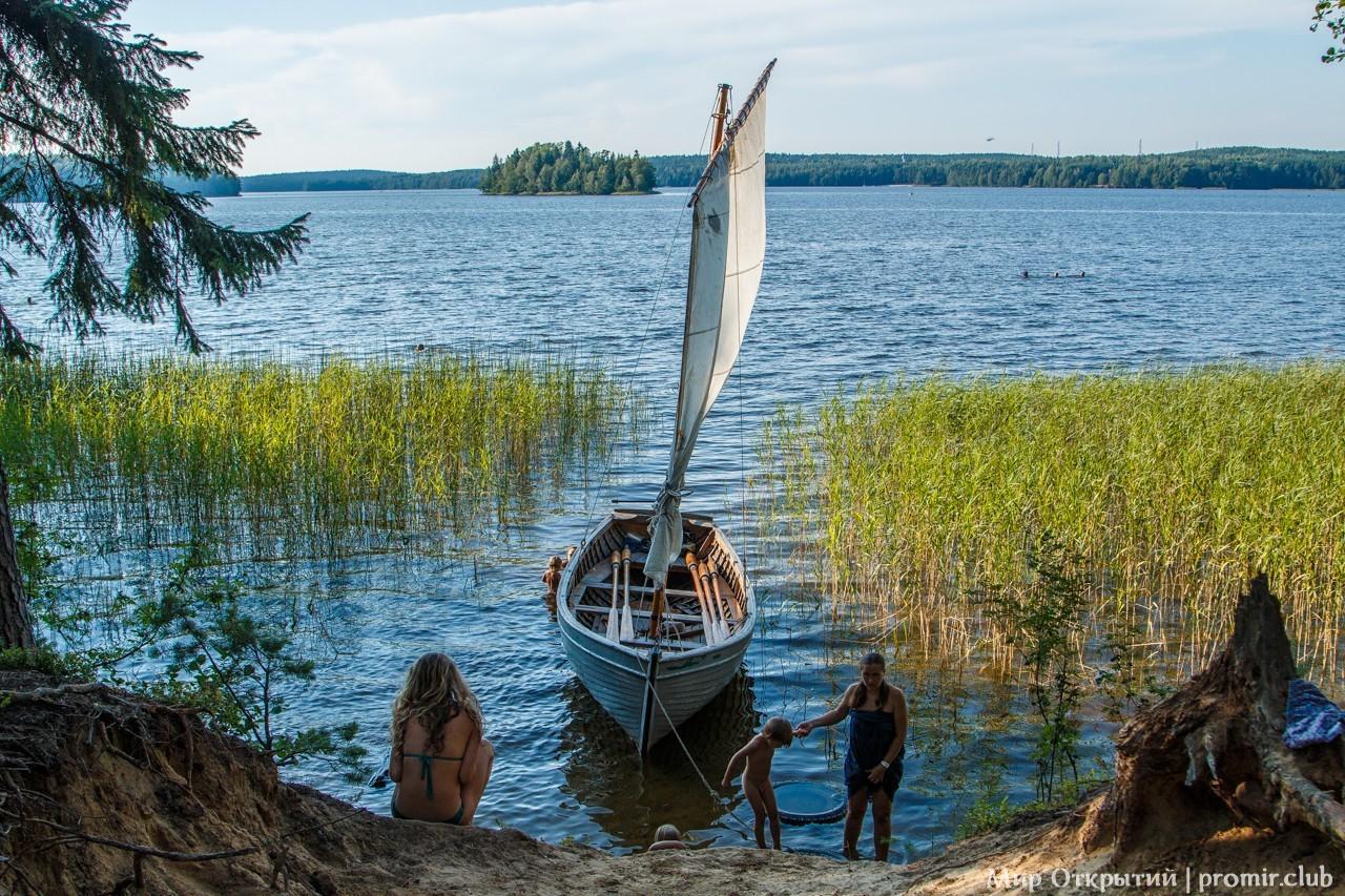 Вид на озеро Зеркальное, Ленинградская область