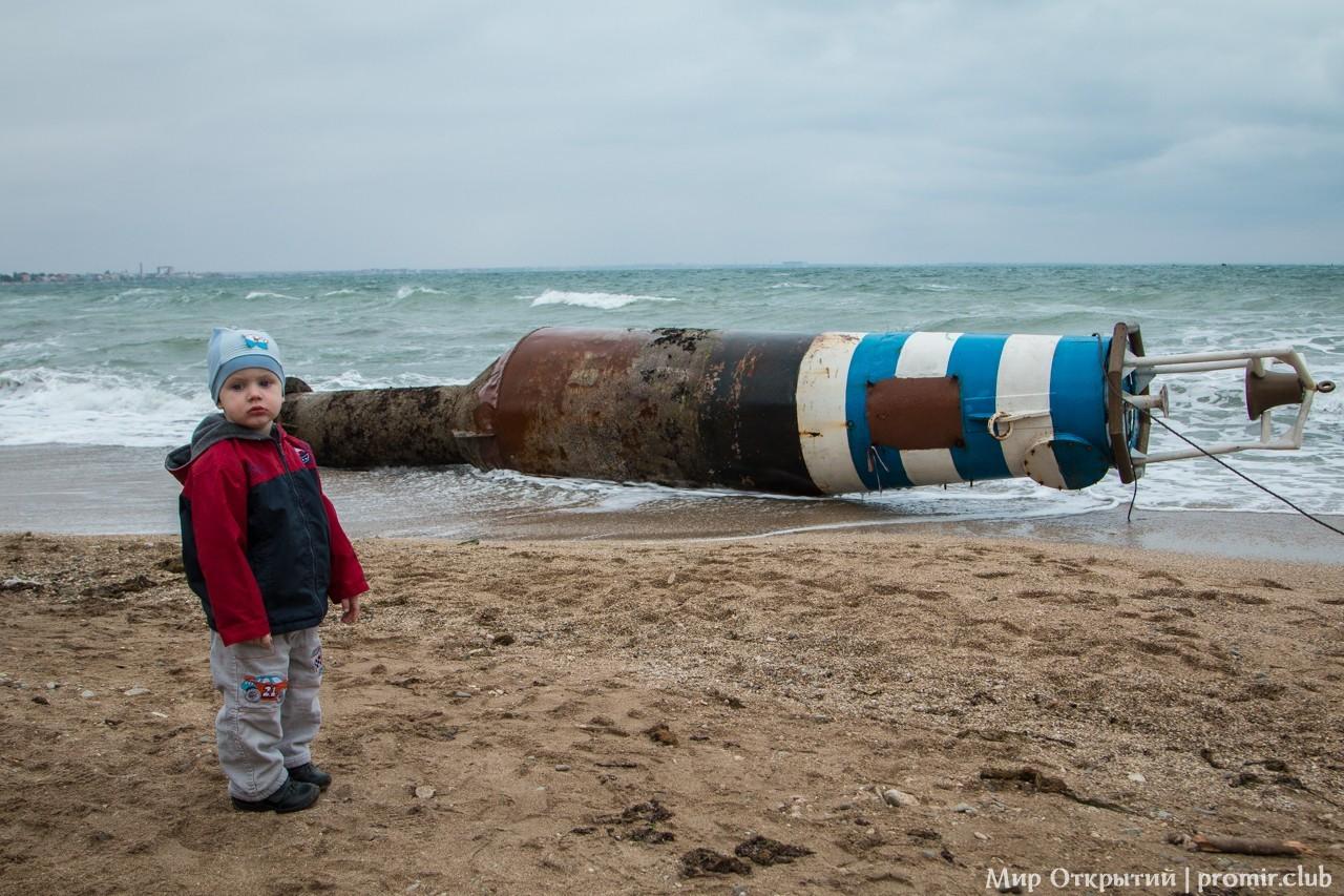 Шторм на море, Феодосия, Крым