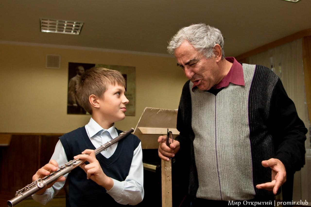 Показательное выступление в музыкальной школе, Ялта, Крым