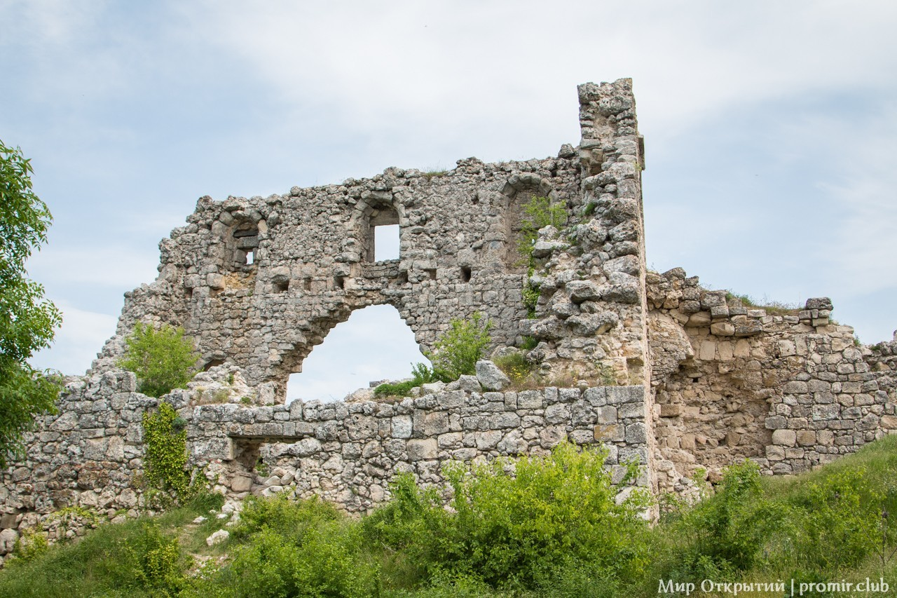 Цитадель на Мангуп-Кале, горный Крым