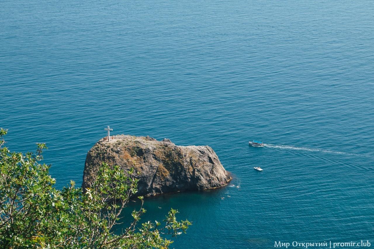 Вид на Георгиевскую скалу