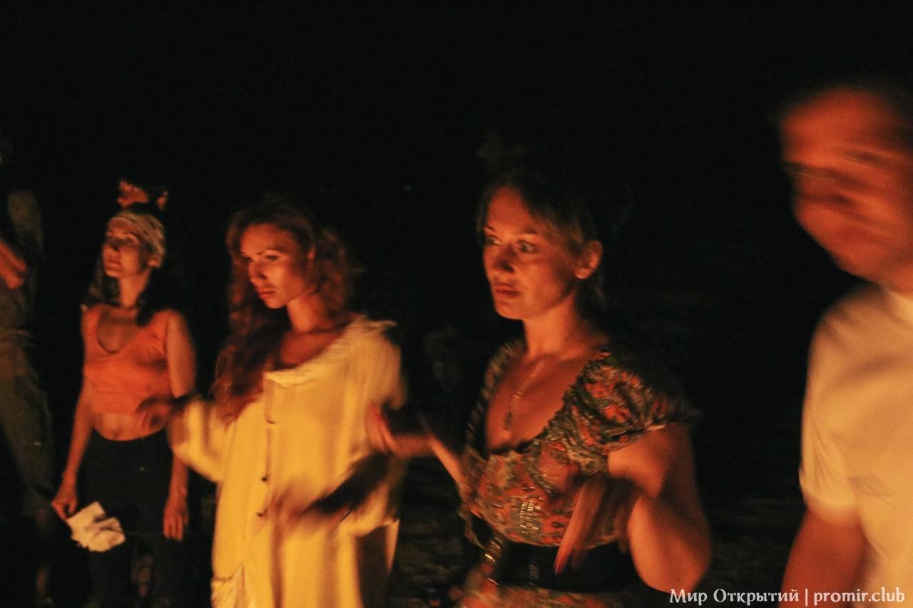 Ночной ритуал, берег Азовского моря