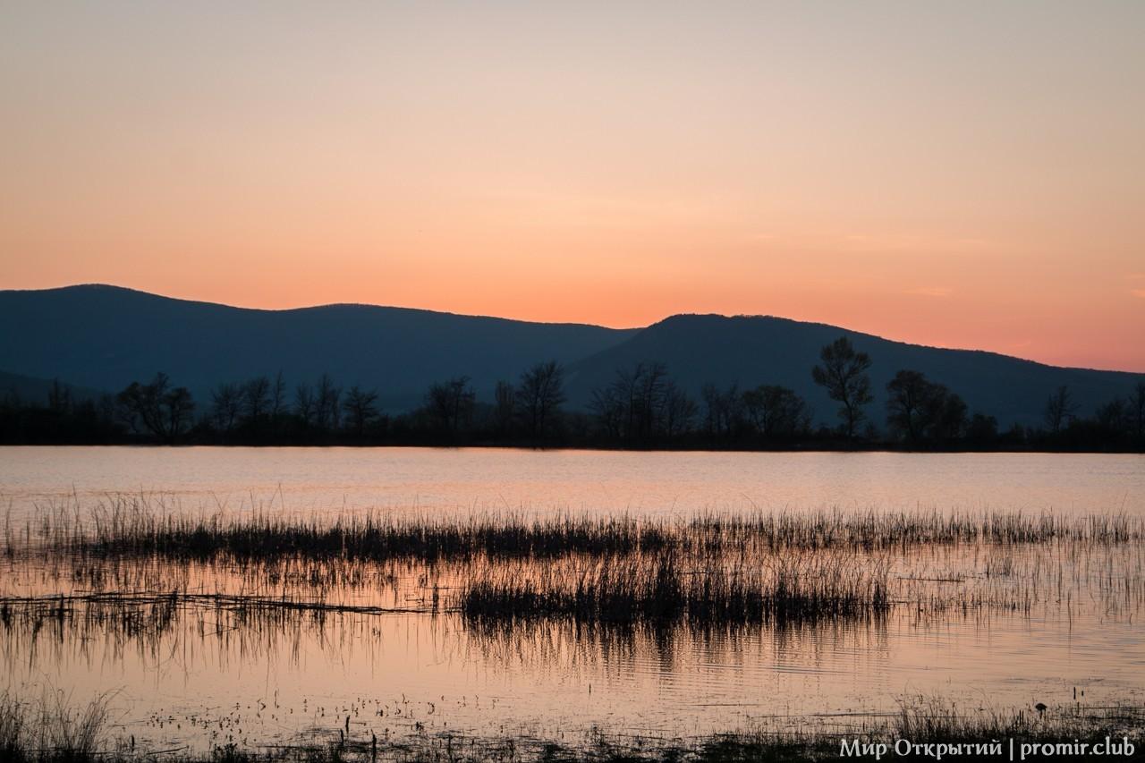 Закат у села Орлиное, Байдарская долина, Крым