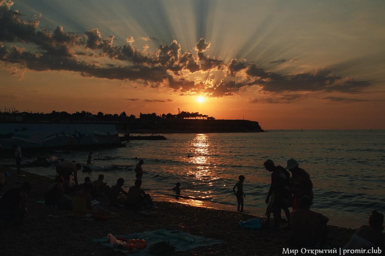 Закат на пляже Песочный, Севастополь