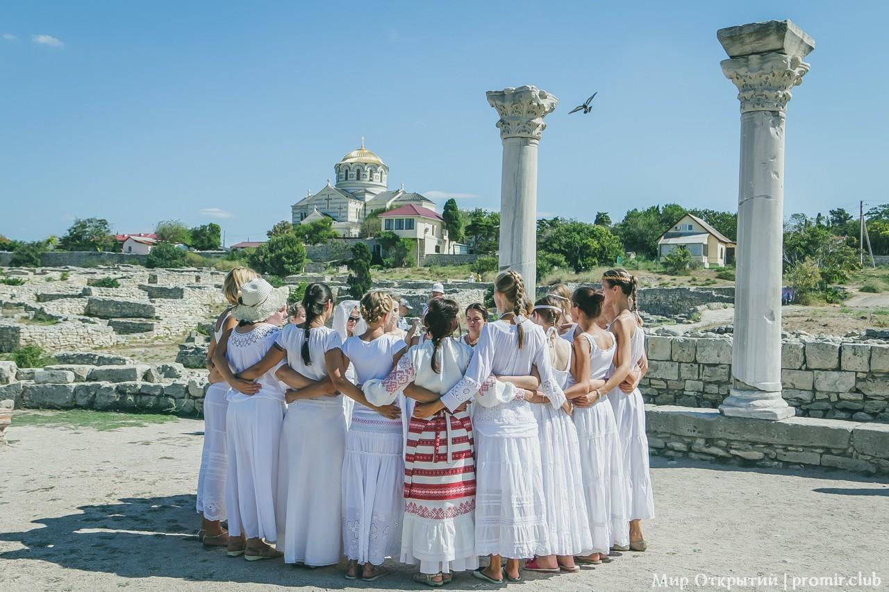 Хоровод у моря, Севастополь