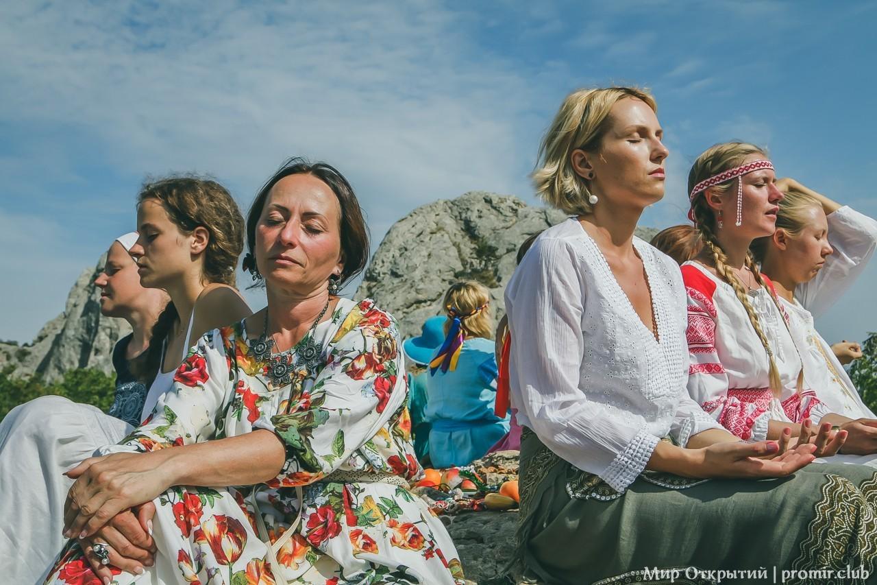 На Храме Солнца у горы Ильяс-Кая
